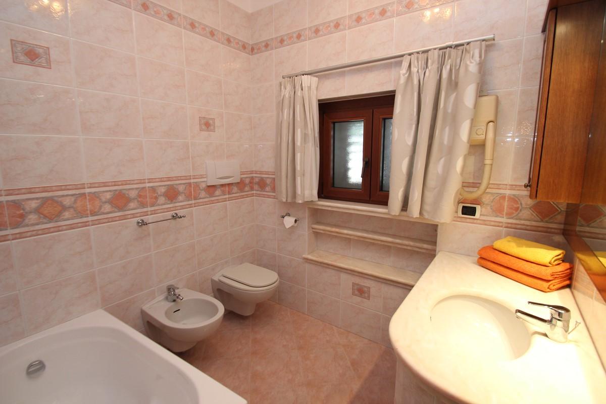 Samax House Bath 1