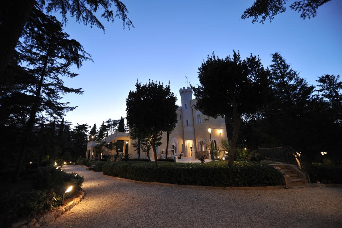 Villa Valeria Turret And House