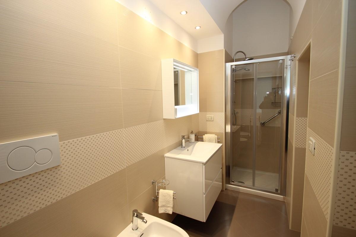 Villa Valeria Bathroom 2B