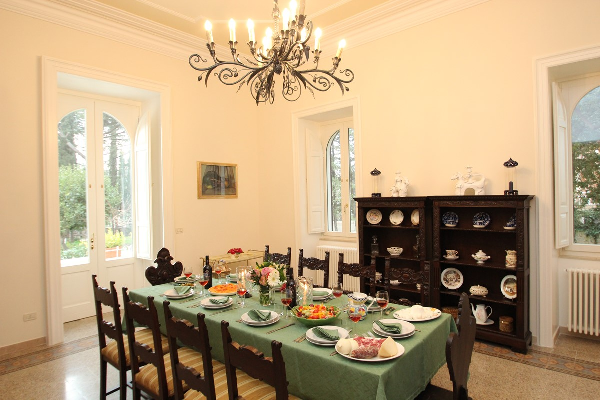 Villa Valeria Dining Room