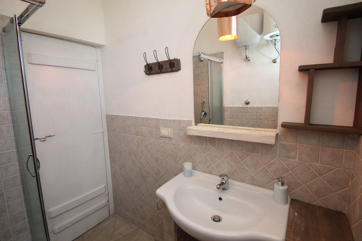 Trullo Il Grano House Bathroom
