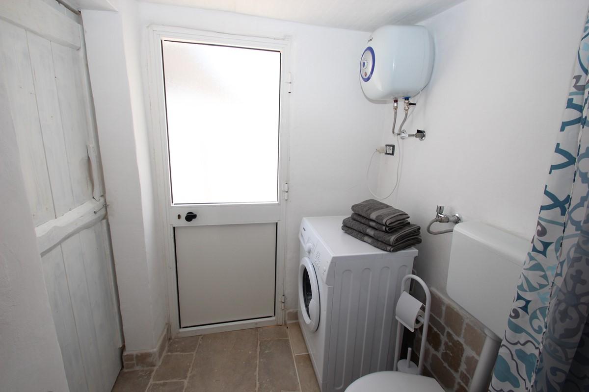 Trullo Il Grano Outdoor Bathroom Wm