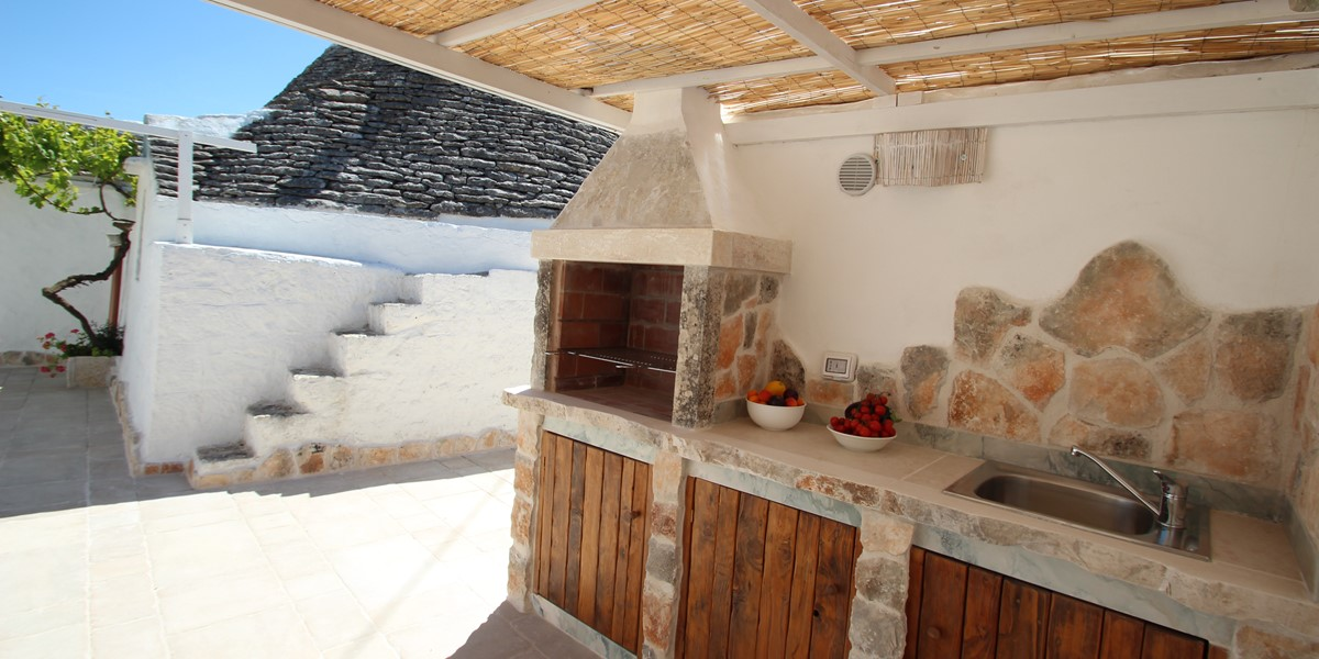 Trullo Il Grano Outdoor Kitchen