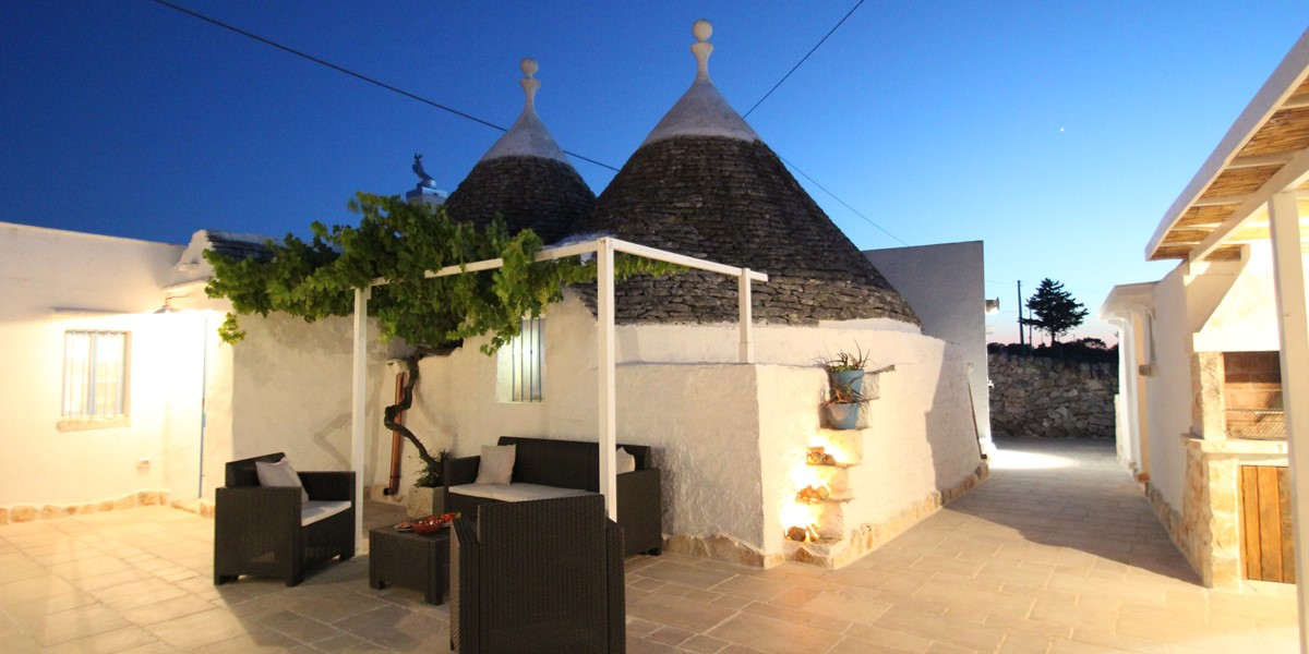 Trullo Il Grano At Night 1