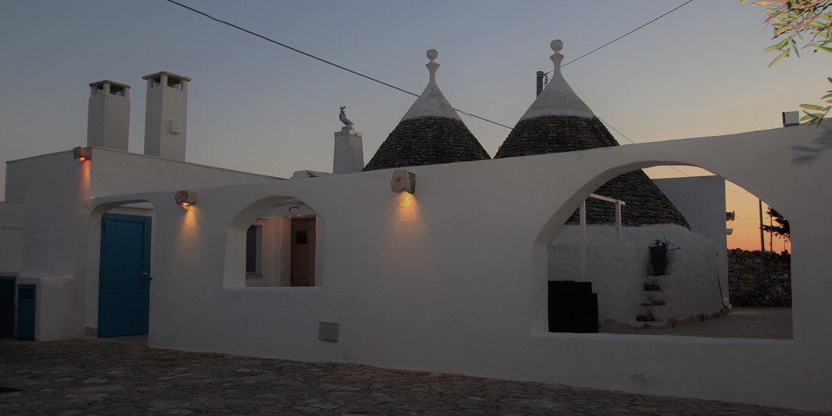 Trullo Il Grano From The Parking Area