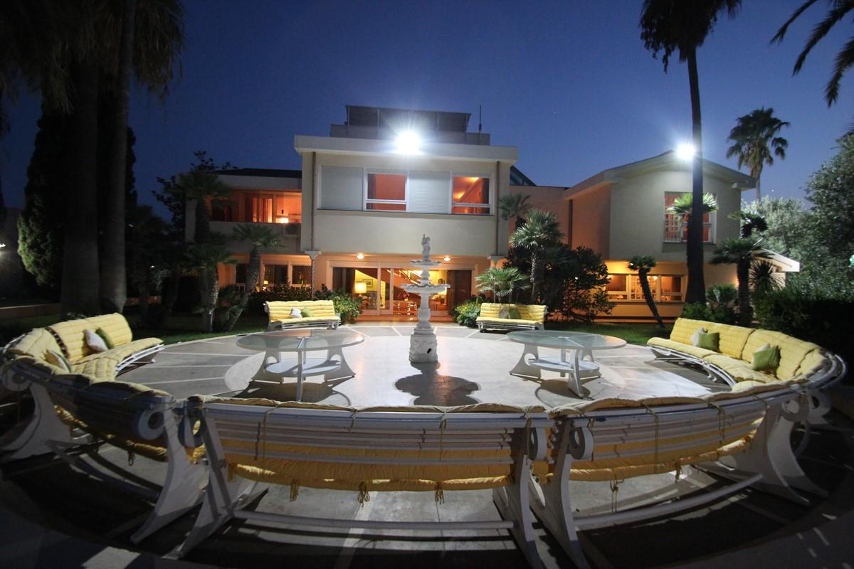 Palmera Rotondo Terrace