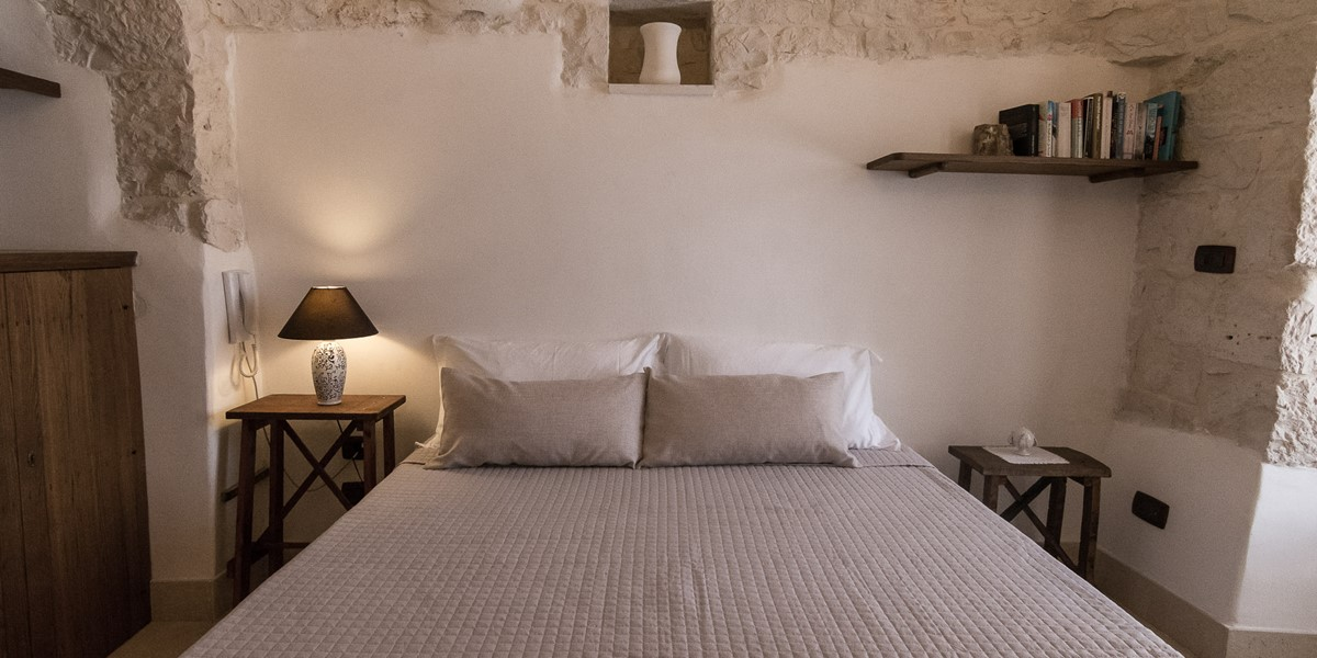 Trullo Loco Bedroom 2 Pic 2