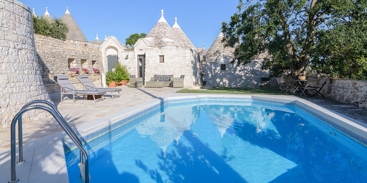 Trullo Loco Pool