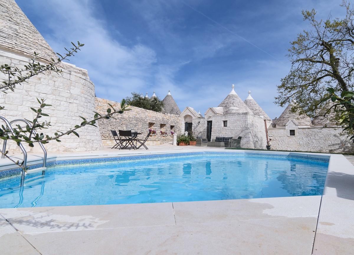 Trullo Loco Private Pool