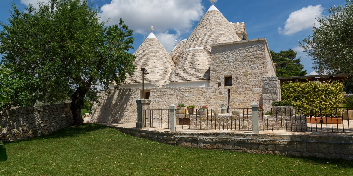 Trullo Mandorla Side View