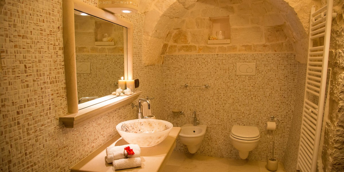 Trullo Mandorla Master Bathroom B