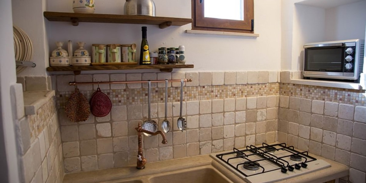 Trullo Mandorla Kitchen B