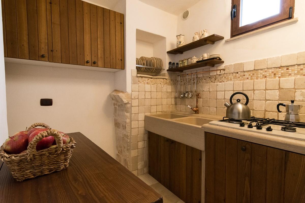 Trullo Mandorla Kitchen A