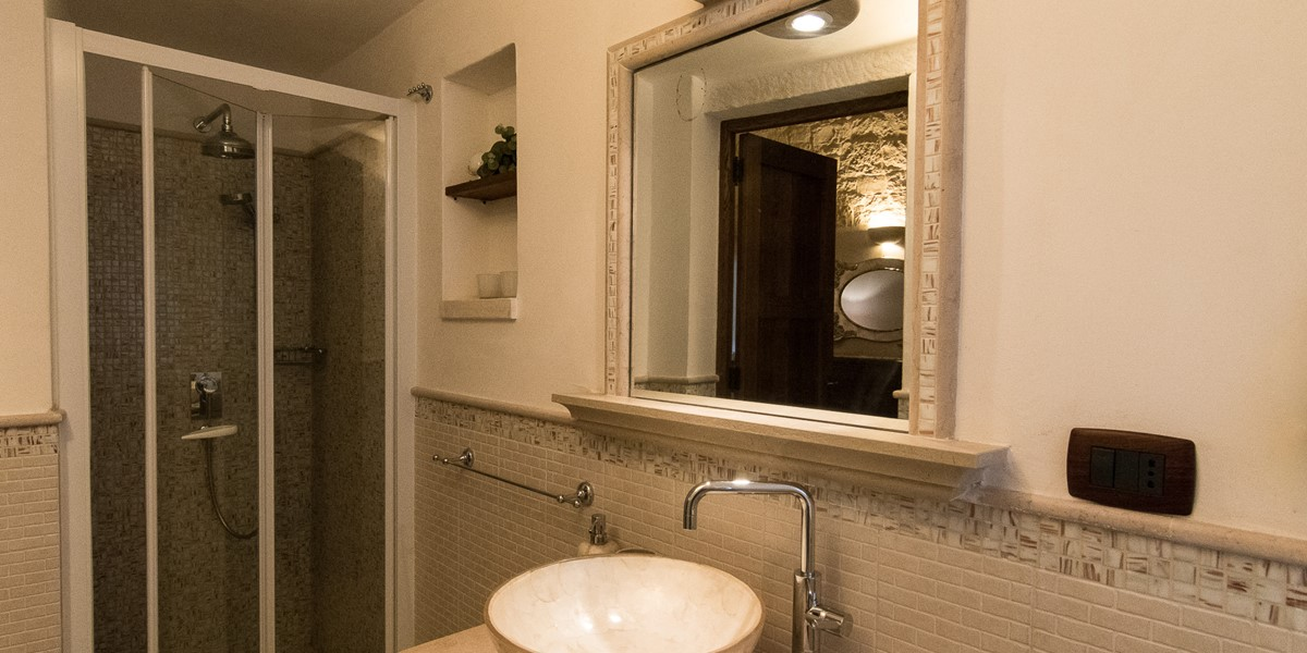 Trullo Mandorla Bathroom 2