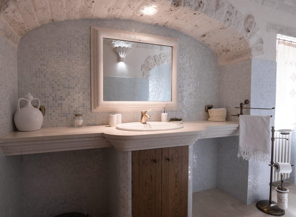 Trullo Ulive Bath 1