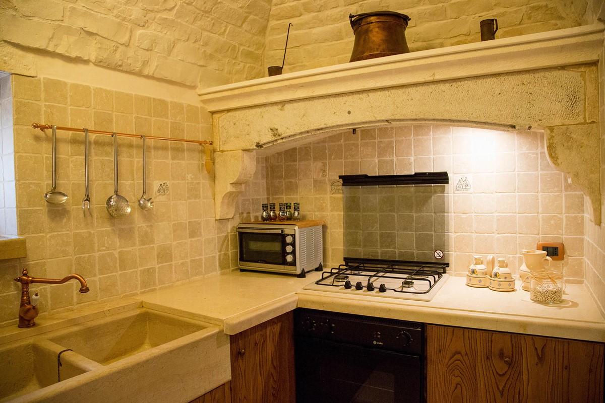Trullo Ulive Kitchen 1