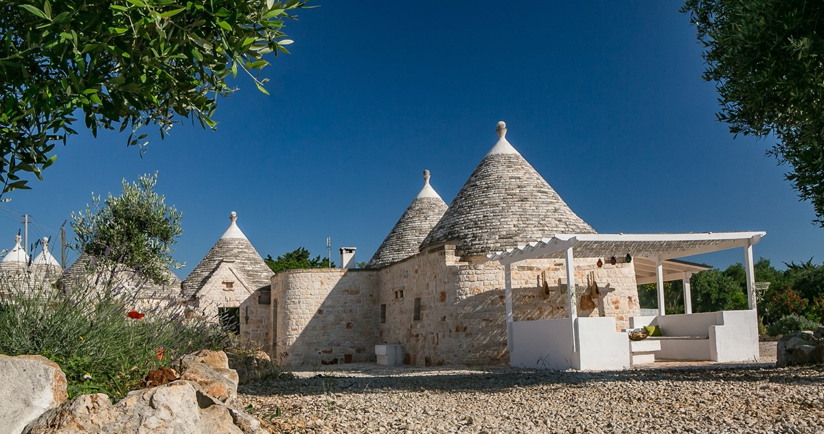 Trullo Lorca Welcomes You