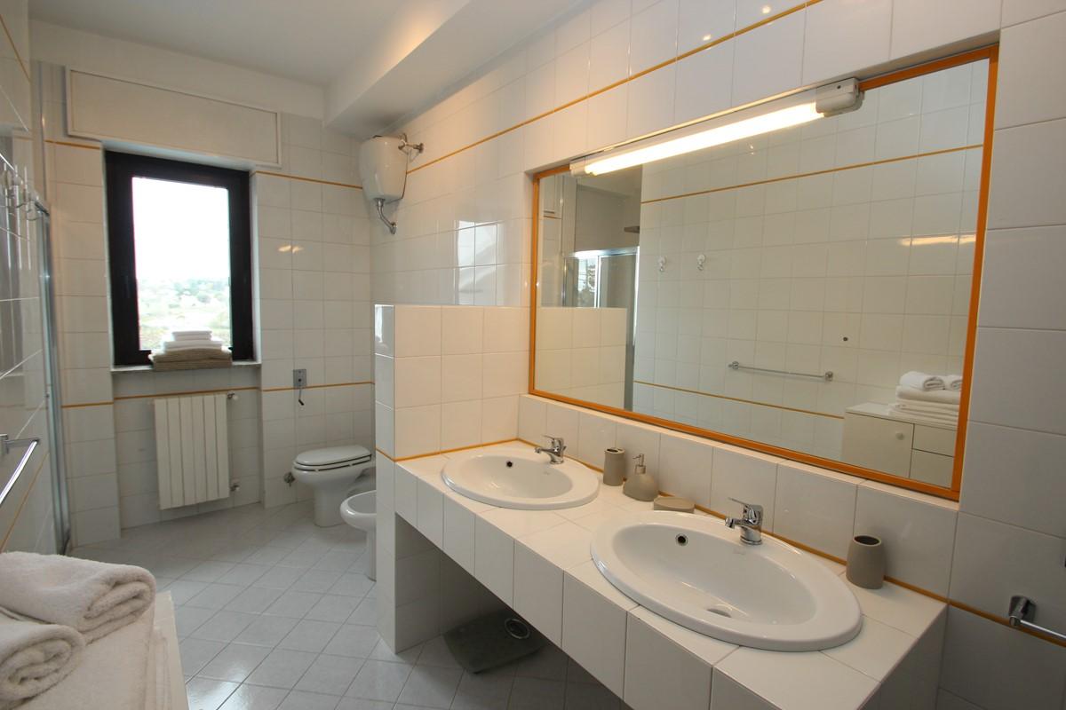 Casa Claudia Apt 1 Bath 2 A