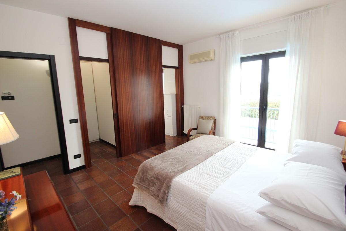Casa Claudia Apt 1 Master Bed A