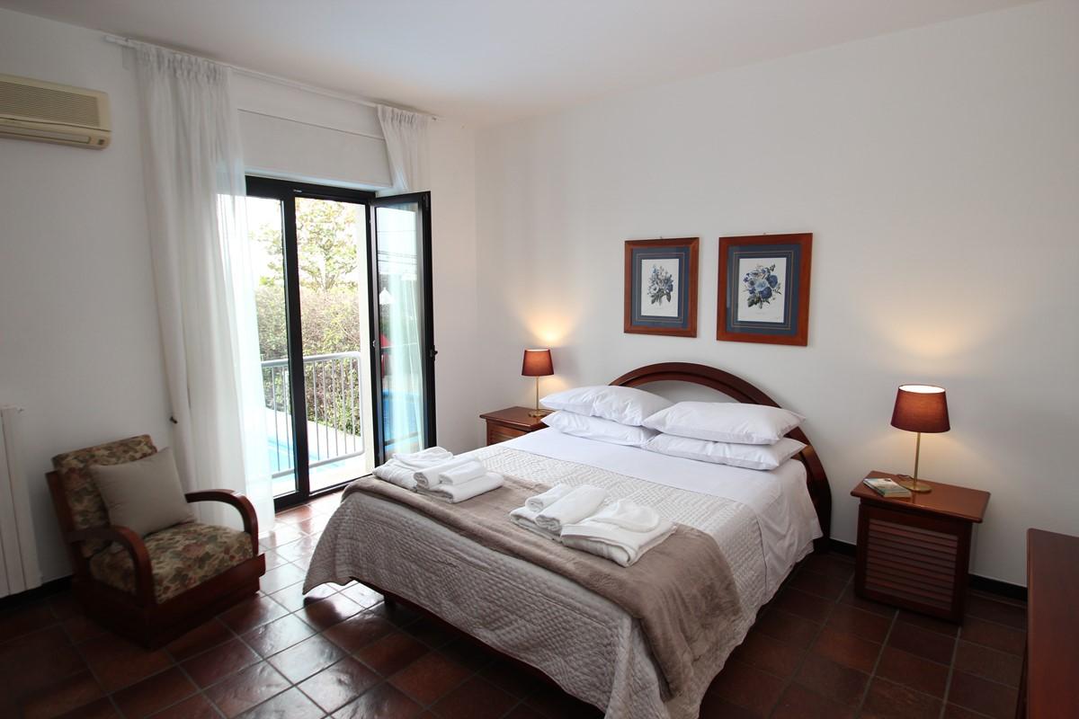 Casa Claudia Apt 1 Master Bed B