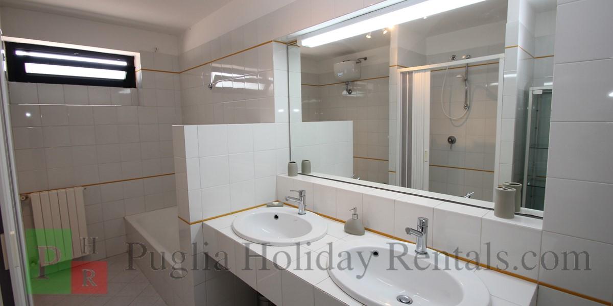 Casa Claudia Apt 2 Bath 1A