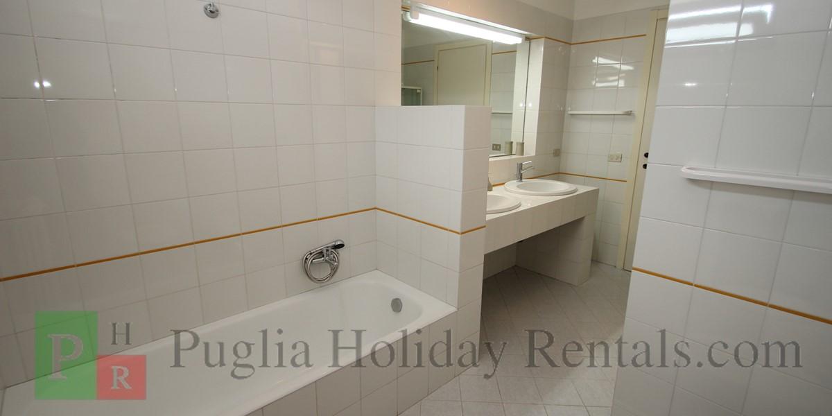 Casa Claudia Apt 2 Bath 2B