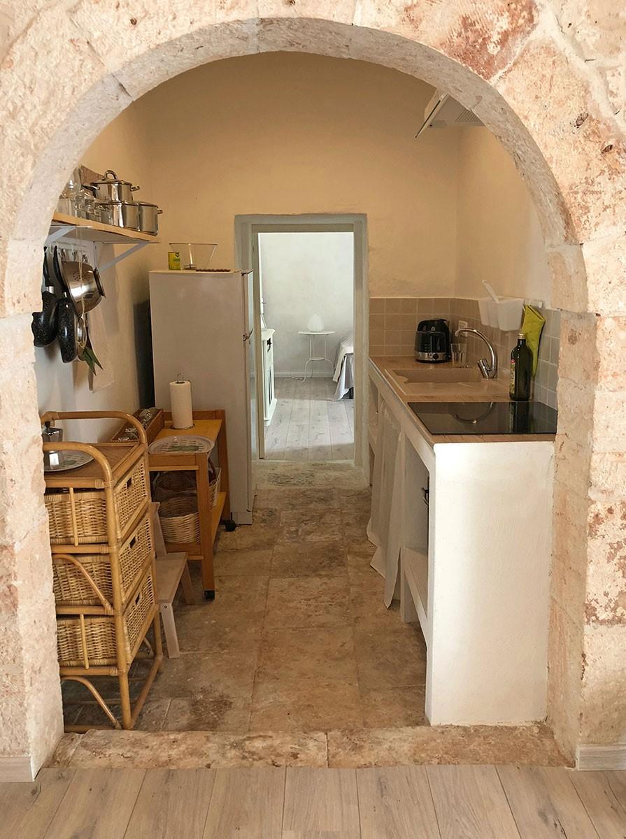 Puglia Holiday Rentals Apt Almond Kit 1