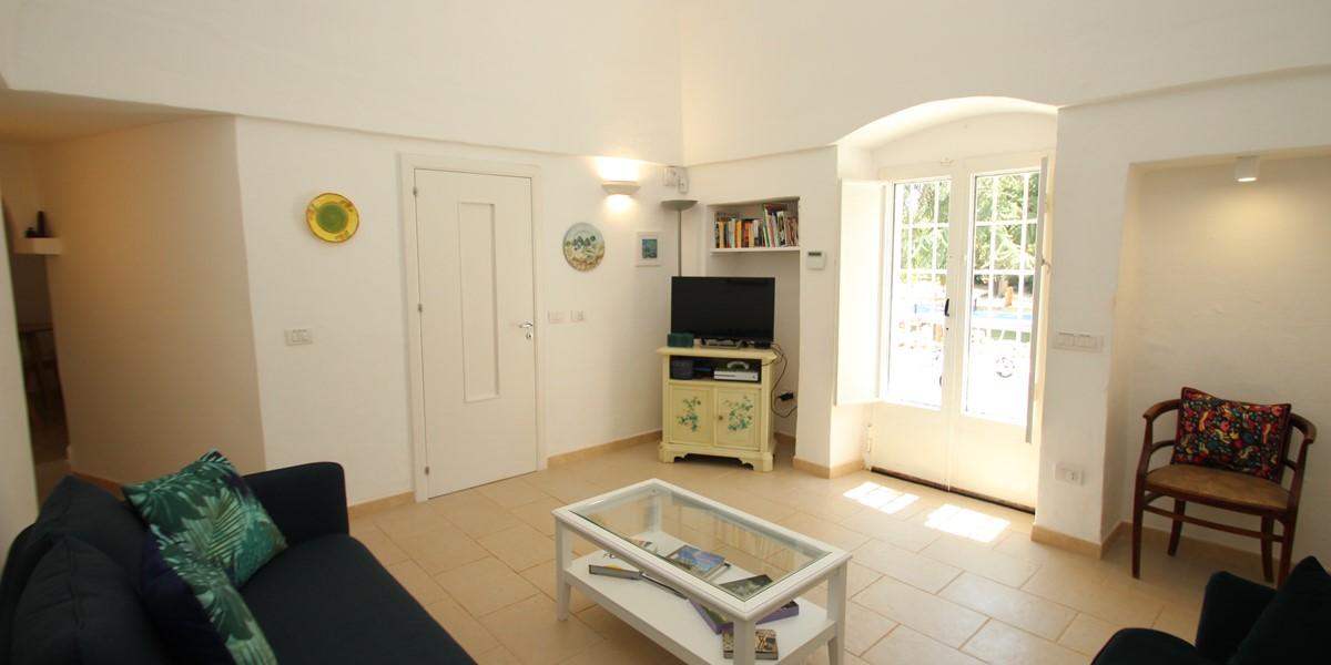 Trullo Sorellina Sitting Room 3