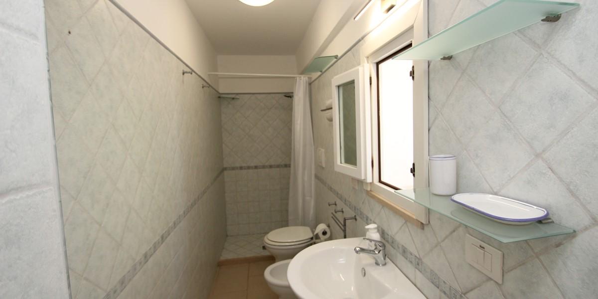 Trullo Sorellina Bathroom 1