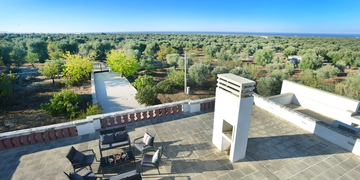 Masseria Mandorli Roof top drinks.JPG