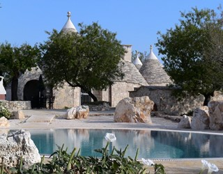 Delightful 3 bedroom trullo with large pool