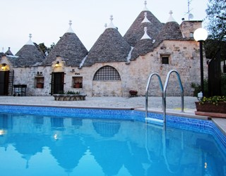 Trullo Mirabello - 4 bedroom trullo with private pool walking distance to town.