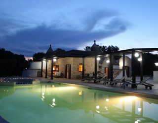 Trullo Nespole - 4 bedroom trullo with pool in Puglia, free wifi