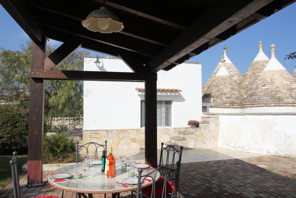 Trullo Iris Lunch Time