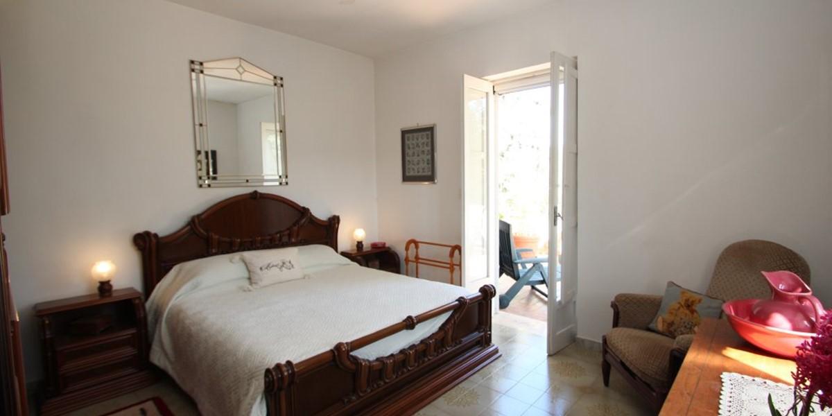 Casa Di Nonna Master Bed 2