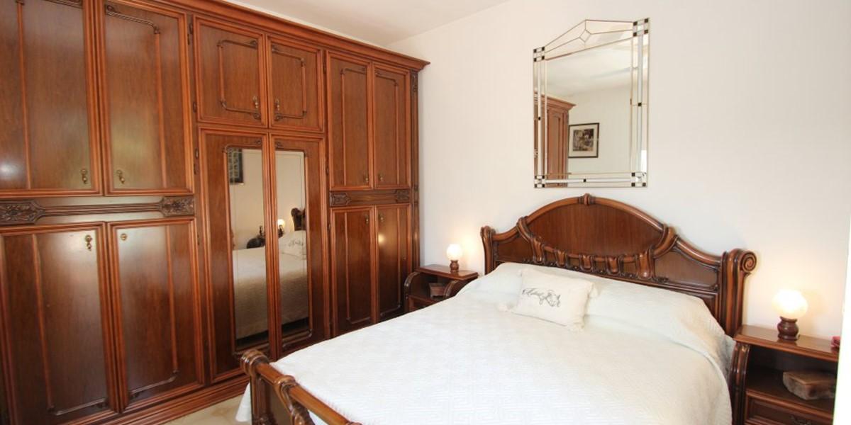 Casa Di Nonna Master Bed
