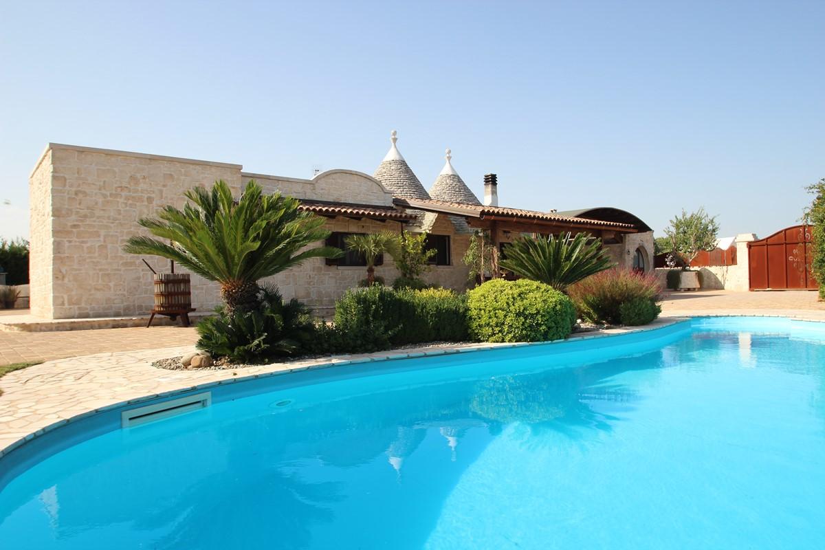 Trullo With Pool In Martina Franca Puglia
