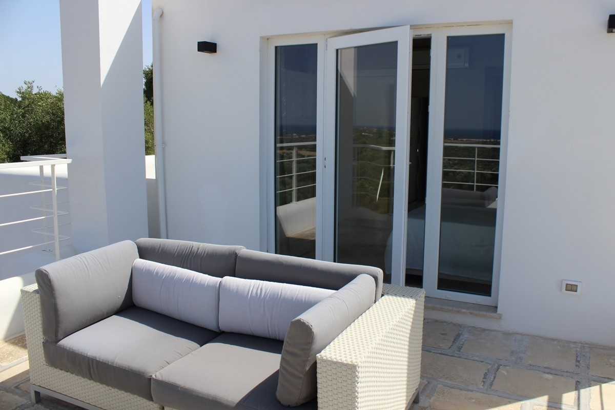 Master Bed Terrace And Sofa