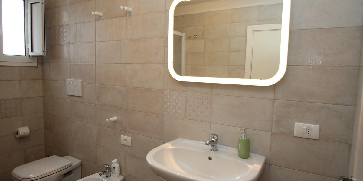 Trullo Iris Bathroom 1A