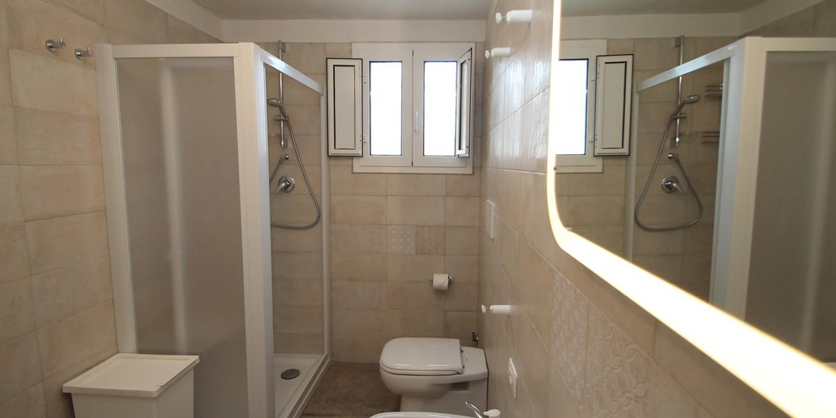 Trullo Iris Bathroom 1