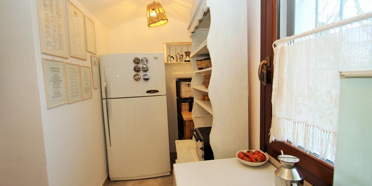 Trullo Formosa Kitchen 2