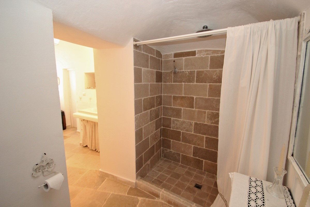 Trullo Formosa Master Bathroom Shower Area