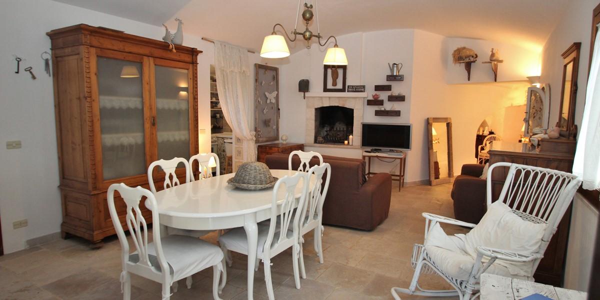 Trullo Formoso Dining Area 1