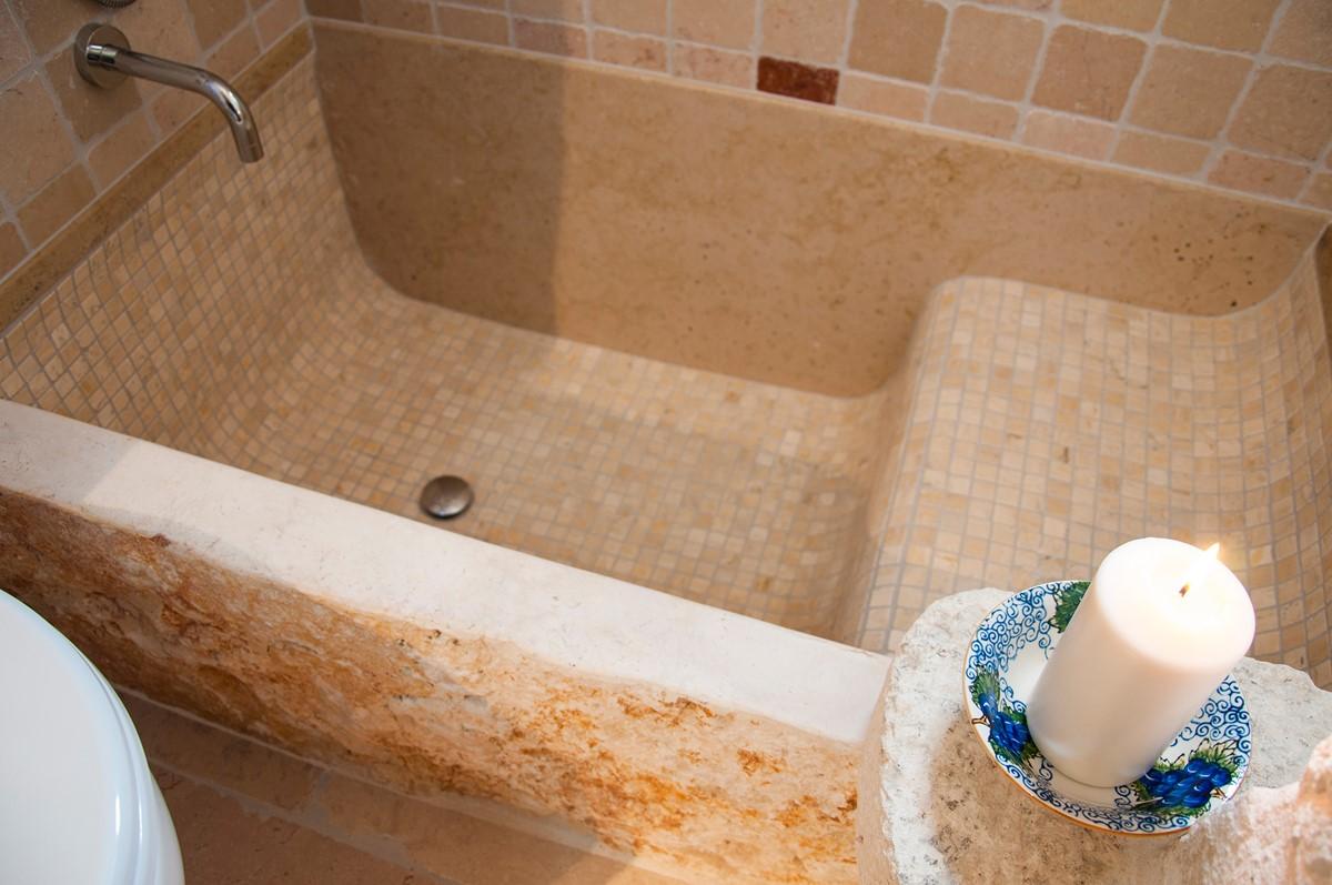 Trullo Noce The Mosaic Tiled Bath