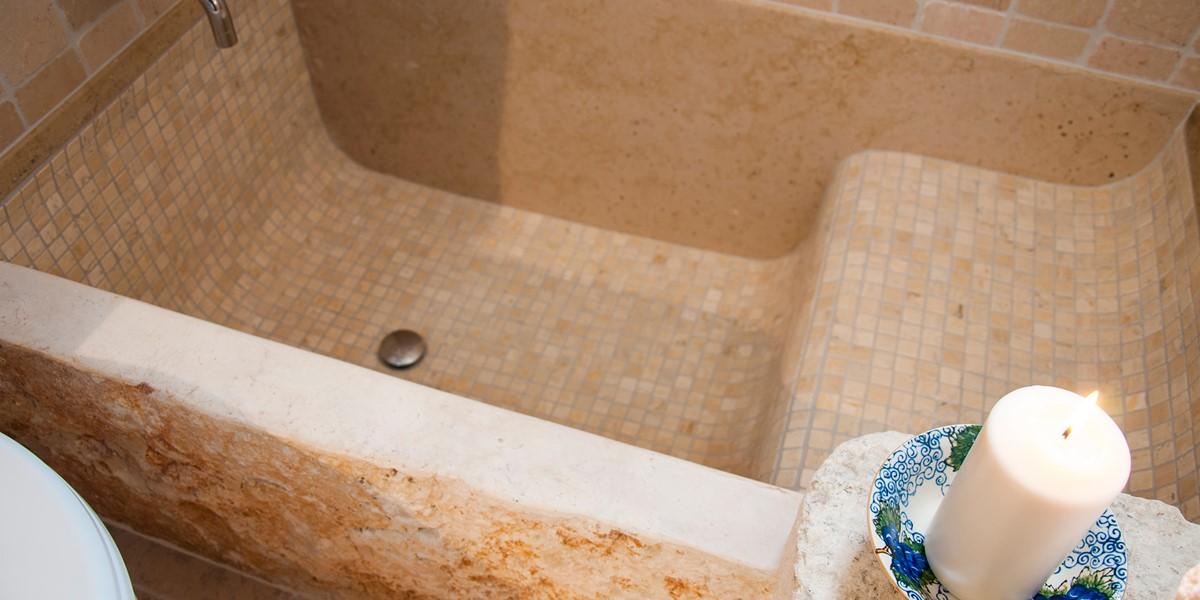 Trullo Noce The Mosaic Tiled Bath