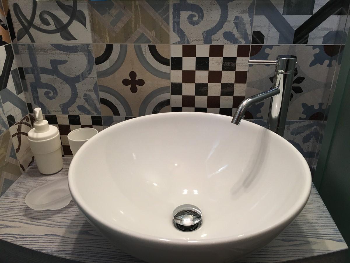 Villa Sudest Masterbathroom Basin