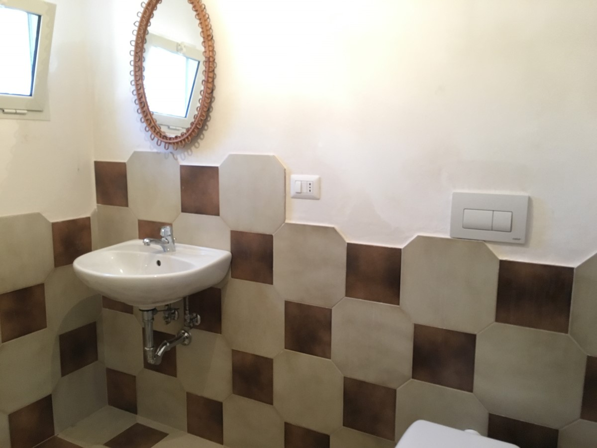 Villa Sudest Outdoor Bathroom 2Nd View