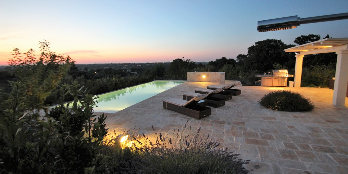 Villa Ponderosa Sun Loungers