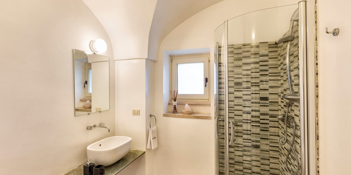 Masseria Sussana Bath 2