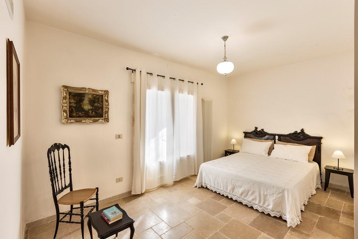 Masseria Sussana GF Swan Bedroom1
